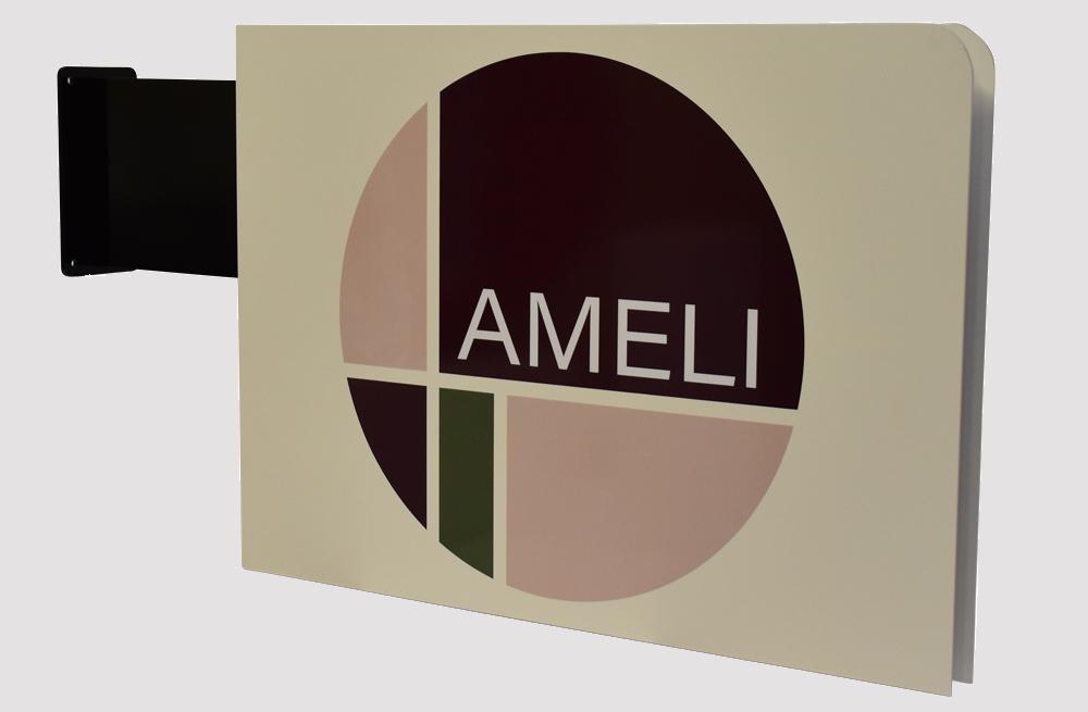 Udhængsskilt til facaden, Ameli - Aalborg