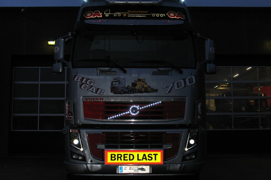 SRI TripleSignLED® med udskiftelig front - Bred Last - Volvo