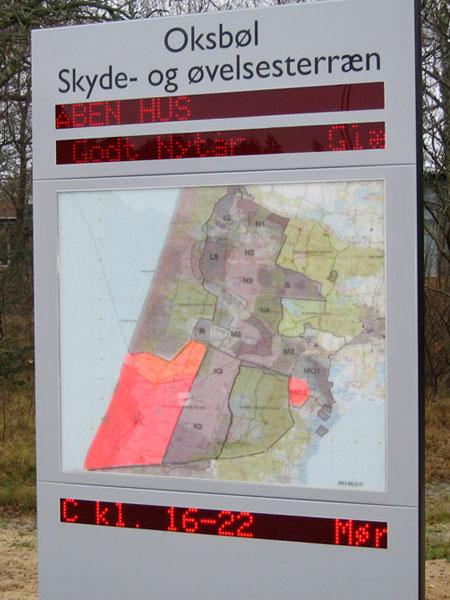 Informationstavle over Oksbøl skyde- og øvelsesterræn