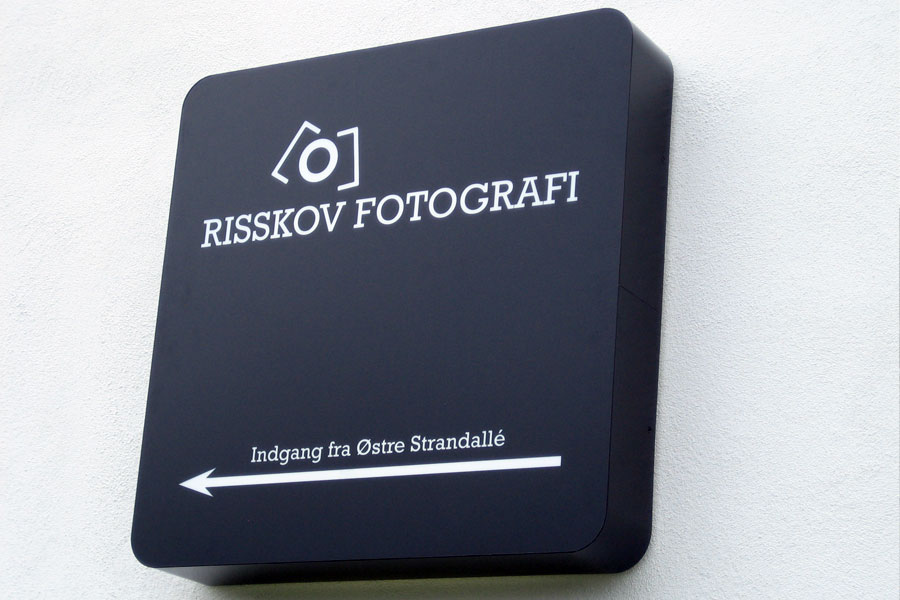 Risskov fotografi - akryl lysskilt