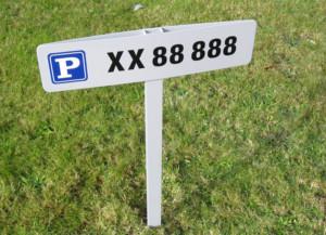 Parkeringsskilte og vejskilte